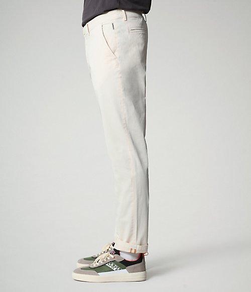 Pantaloni chino Mana-
